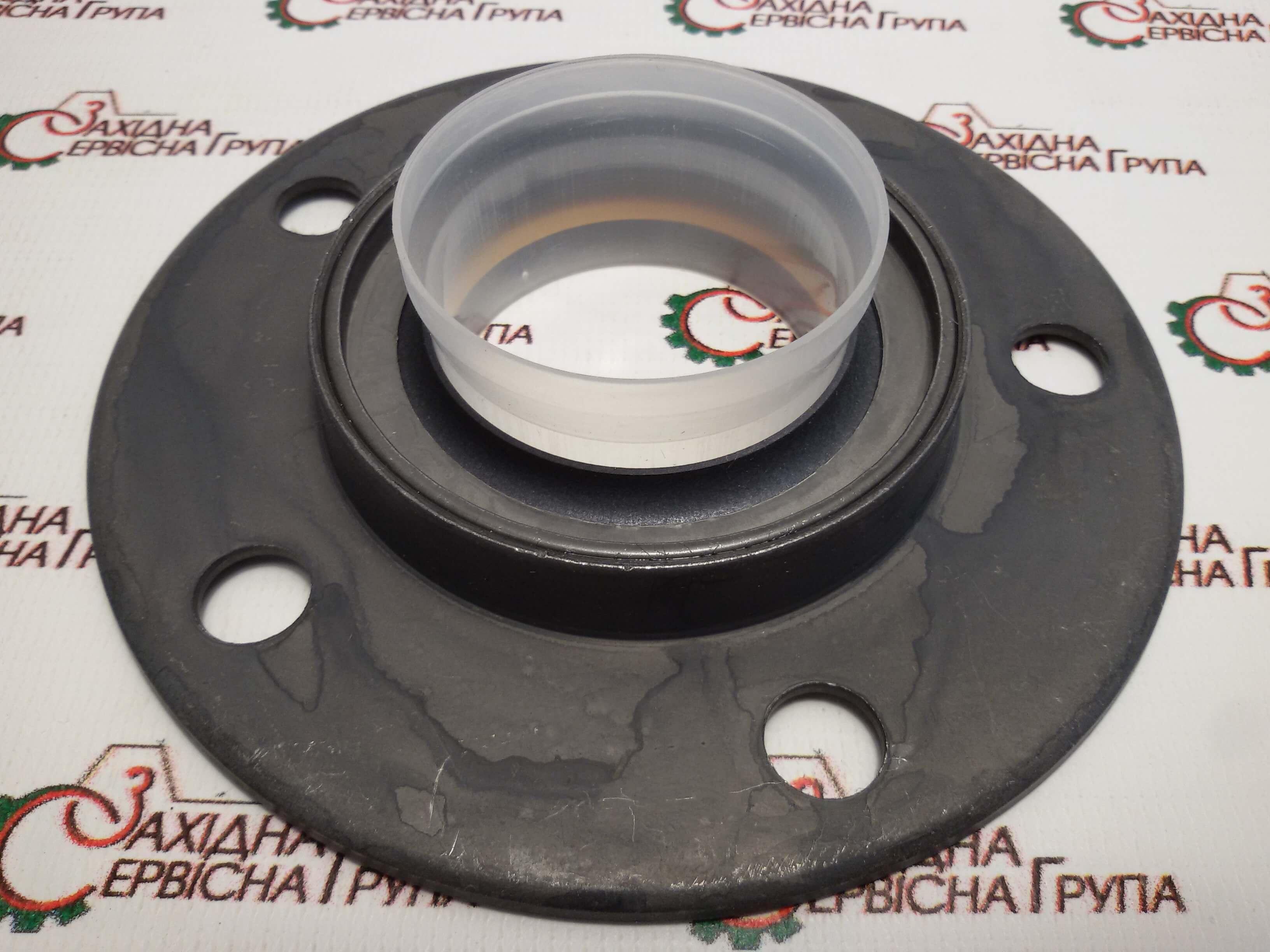 Сальник приводу допоміжних агрегатів двигуна Cummins M11, ISM11, QSM11, 3804304, 3803728, 3803488, 3803273, 3883117.