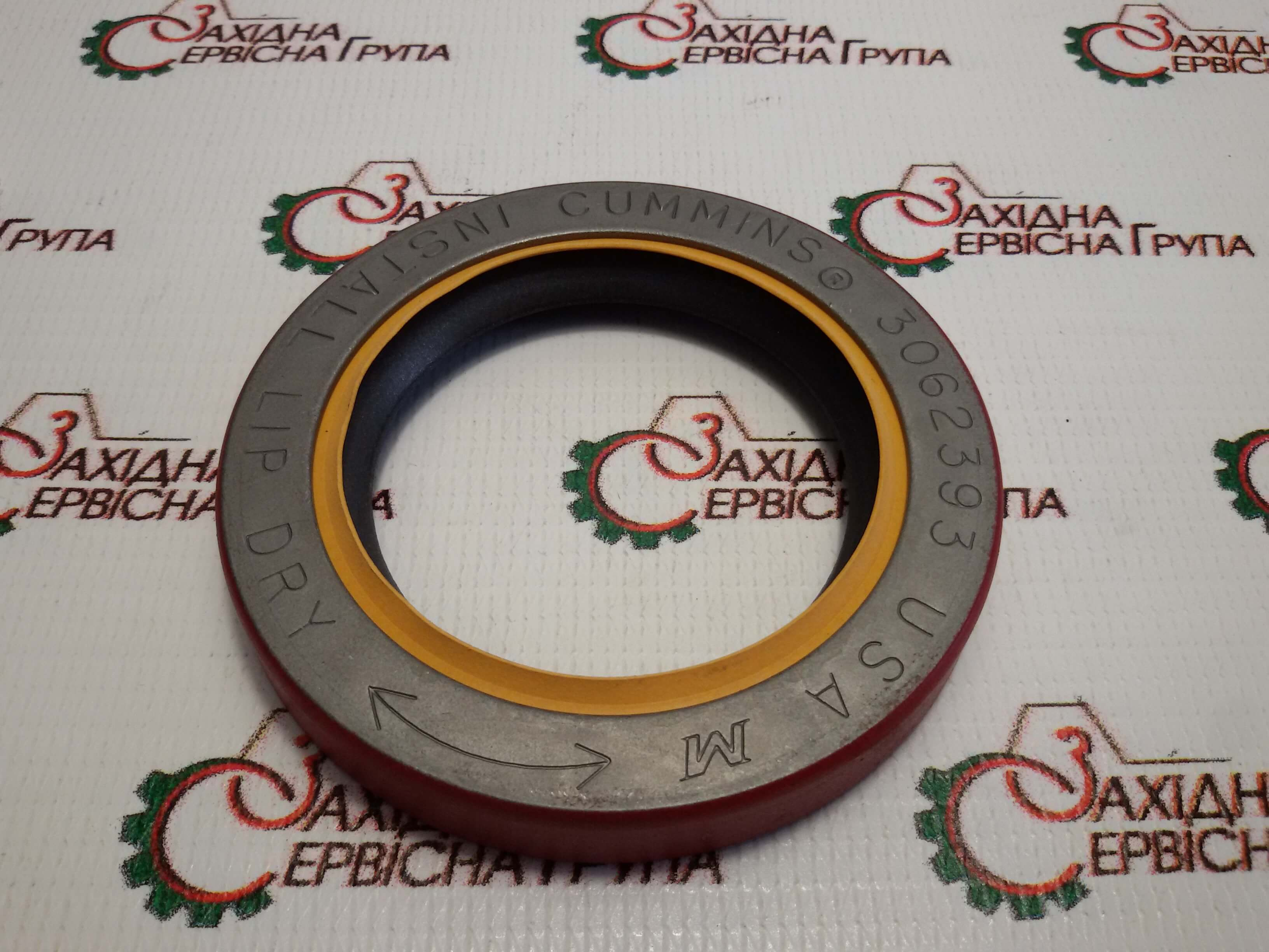 Сальник привода вентилятора Cummins KTA19, 3062393.